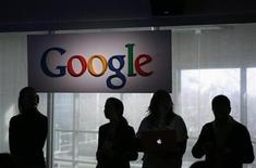 <p>Los cambios que Google y la Sociedad de Autores hicieron a un plan para crear una biblioteca en internet gigante fueron inadecuados porque no respondieron a las preocupaciones antimonopolio y de derechos de autor, dijo el Departamento de Justicia de Estados Unidos. REUTERS/Robert Galbraith/archivo.</p>