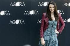 """<p>British actress Rachel Weisz poses during a photocall to promote her latest film """"Agora"""" in Madrid October 6, 2009. REUTERS/Sergio Perez</p>"""