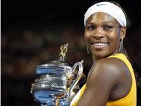 <p>Serena Williams dos EUA vence o Aberto da Austrália ao derrotar a belga Justine Henin em janeiro. Williams está entre os indicados ao prêmio Laureus de 2010. 30/01/2010</p>