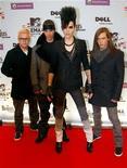 """<p>Немецкая группа Tokio Hotel на красной дорожке перед началом церемонии MTV Europe Awards в Берлине 5 ноября 2009 года. 10 марта поп-рок квартет из Магдебурга Tokio Hotel представит новый альбом """"Humanoid"""" в """"Олимпийском"""". Главные кумиры поклонников эмо, подхватив у постаревших Rammstein эстафетную палочку в деле обучения фанатов немецкому языку, никогда не были в столице Японии, зато активно используют образы аниме. REUTERS/Fabrizio Bensch</p>"""