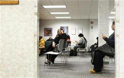 <p>A job seeker waits to be called in a lobby at a New York State Department of Labor recruitment office in New York in this January 6, 2010 file photo. REUTERS/Lucas Jackson</p>