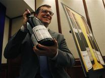 <p>Bottiglia di Romanee Conti in foto d'archivio. REUTERS/Bobby Yip</p>