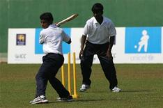 <p>Former child combatants play cricket as part of a rehabilitation program sponsored by Sri Lankan government institutions, the International Cricket Council (ICC), the Sri Lankan Cricket association and the United Nations Children's Fund (UNICEF) in Colombo March 19, 2010. REUTERS/Andrew Caballero-Reynolds</p>