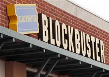 <p>Logo di Blockbuster in foto d'archivio. REUTERS/Rick Wilking</p>