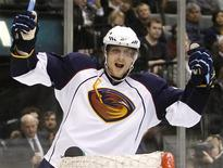 <p>Atlanta Thrashers forward Nik Antropov celebrates his goal against the Toronto Maple Leafs during the third period of their NHL hockey game in Toronto, March 30, 2010. REUTERS/Mike Cassese</p>