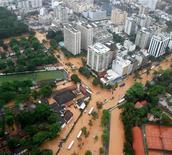 <p>Затопленные улицы пригорода Рио-де-Жанейро 6 апреля 2010 года. По меньшей мере 95 человек погибли и сотни остались без крыши над головой в результате проливных дождей и последовавших за ними оползней в Бразилии. REUTERS/Genilson Araujo-Ag O Globo</p>