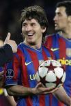 <p>Lionel Messi do Barcelona depois do jogo de quartas-de-final da Liga dos Campeões contra o Arsenal em Barcelona. A opinião na Argentina é de que o pequeno ás do Barcelona é uma volta à era do futebol livre. 06/04/2010 REUTERS/Gustau Nacarino</p>