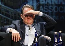 <p>Глава отдела ипотеки JPMorgan Chase & Co Дэвид Лоумэн на конференции National Secondary Market Conference and Expo в Нью-Йорке 21 мая 2007 года. Глава отдела ипотеки JPMorgan Chase & Co во вторник сбежал от толпы разгневанных заемщиков, окруживших его в Конгрессе США. REUTERS/Lucas Jackson</p>