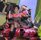 <p>Singer Rihanna performs at the Nickelodeon Kids' Choice Awards in Los Angeles March 27, 2010. REUTERS/Mario Anzuoni</p>