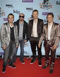 <p>Американская поп-группа Backstreet Boys на красной дорожке перед началом церемонии вручения наград MTV Europe Awards в Берлине 5 ноября 2009 года. 20 апреля 1993 года в США была образована поп-группа Backstreet Boys. REUTERS/Pool</p>