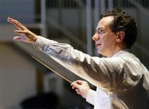 <p>Conductor Fabio Luisi is seen February 17, 2003. REUTERS/Herwig Prammer</p>