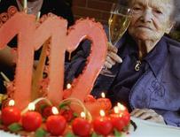 <p>Rosa Rein festeggia il suo 112esimo compleanno in una casa di riposo di Lugano. REUTERS/Fiorenzo Maffi/Files (SWITZERLAND - Tags: HEALTH SOCIETY)</p>