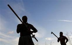 <p>Maori warriors perform a welcome for players and coaches attending the Rugby World Cup 2011 pool allocation draw in London December 1, 2008. REUTERS/Eddie Keogh</p>
