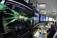 <p>Foto de archivo un gráfico de una colisión de partículas en el Gran Colisionador de Hadrones, en Meyrin, Suiza, mar 30 2010. Los científicos que trabajan en el proyecto Big Bang e investigan los secretos del cosmos dijeron el miércoles que el enorme colisionador de partículas se encamina a hacer descubrimientos inesperados sobre los orígenes y composición del universo. REUTERS/Denis Balibouse</p>