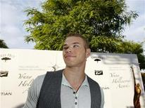 <p>Actor Kellan Lutz poses at the Hollywood Life's 11th Annual Young Hollywood Awards at the Eli and Edythe Broad Stage in Santa Monica, California, June 7, 2009. REUTERS/Mario Anzuoni</p>