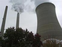 <p>Emissioni di CO2 da impianto di lavorazione del carbone, foto d'archivio. REUTERS/Ayesha Rascoe</p>