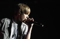 <p>Justin Bieber se apresenta no show Wango Tango em Los Angeles. O ídolo teen canadense recebeu uma indicação na terça-feira a um prêmio Black Entertainment Television 2010. 15/05/2010 REUTERS/Mario Anzuoni</p>