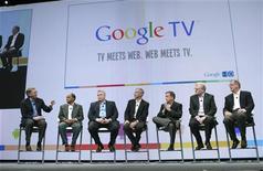 <p>Os presidentes do Google, Adobe, Best Buy, DISH Network, Logitech, Sony e Intel anunciaram juntos o Google TV nesta quinta-feira. 20/05/2010 REUTERS/Robert Galbraith</p>