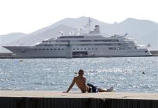 <p>Uno yacht in foto d'archivio. REUTERS/Eric Gaillard (FRANCE - Tags: SOCIETY ENVIRONMENT)</p>