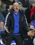 <p>O técnico Luiz Felipe Scolari volta ao Brasil após sete anos com a seleção portuguesa e os clubes Chelsea, da Inglaterra, e Bunyuodkor, do Uzbequistão. 17/01/2009 REUTERS/ Eddie Keogh/Files</p>