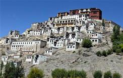 <p>A view of a monastery in Thikshy, 20 km (13 miles) north of the Leh district of Ladakh in the Indian state of Jammu and Kashmir, September 7, 2005. REUTERS/Fayaz Kabli</p>
