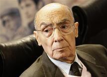 <p>Escritor português José Saramago morreu nesta 6a aos 87 anos. 03/03/2009 REUTERS/Susana Vera/Files</p>