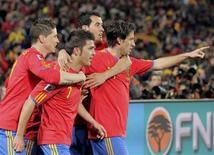 <p>David Villa, da Espanha, comemora gol em vitória por 2 x 0 sobre Honduras pela Copa do Mundo. REUTERS/Michael Kooren</p>