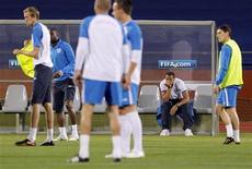 <p>Сборная Англии на тренировке в Рюстенбурге 11 июня 2010 года. В среду определятся четыре команды групп С и D, которые попадут в 1/8 финала чемпионат мира по футболу в ЮАР. REUTERS/Brian Snyder</p>