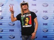 <p>Bret Michaels poses for photographers backstage during the 9th season finale of 'American Idol' in Los Angeles, May 26, 2010. REUTERS/Mario Anzuoni</p>