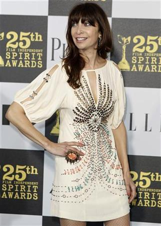 Actress Illeana Douglas arrives at the 25th annual Film Independent Spirit Awards in Los Angeles, March 5, 2010. REUTERS/Lucas Jackson