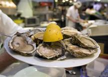 <p>A plate of oysters is shown in Berlin April 15, 2008. REUTERS/Fabrizio Bensch</p>