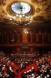 <p>Общий вид Сената Италии в Риме 15 июля 2010 года. Премьер-министр Италии Сильвио Берлускони получил вотум доверия по непопулярной реформе, предусматривающей сокращение госрасходов на 25 миллиардов евро в соответствии с требованиями европейских регуляторов. REUTERS/Alessandro Bianchi</p>
