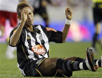 <p>Atacante do Santos Neymar durante amistoso da equipe contra o New York Red Bulls, dos EUA, em Harrison. 20/03/2010 REUTERS/Mike Segar</p>