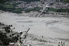 """<p>Вид на затопленную местность в провинции Хайбер-Пахтунхва в Пакистане 5 августа 2010 года. Пакистанские боевики движения """"Талибан"""" призвали в среду Исламабад отказаться от гуманитарной помощи стран Запада, предназначенной для пострадавших от сильнейших наводнений, унесших жизни более 1.600 человек. REUTERS/Horace Murray/U.S. Army/Handout</p>"""