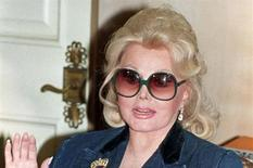 <p>Actress Zsa Zsa Gabor in a 1992 photo. REUTERS/Fred Prouser</p>