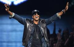 """<p>Jay-Z performs """"Empire State of Mind"""" at the 2009 MTV Video Music Awards in New York, September 13, 2009. REUTERS/Gary Hershorn</p>"""