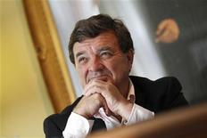 <p>Canada's Finance Minister Jim Flaherty pauses during an interview with Reuters in his office on Parliament Hill in Ottawa August 5, 2010. REUTERS/Chris Wattie</p>