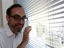 <p>Russian-American author Gary Shteyngart poses for a picture in New York, September 6, 2010. Shteyngart's new book is a vision of a fast-declining America, obsessed by youthfulness, gripped by omniscient smartphones and swayed by monopolies and the Bank of China. REUTERS/Brendan McDermid</p>