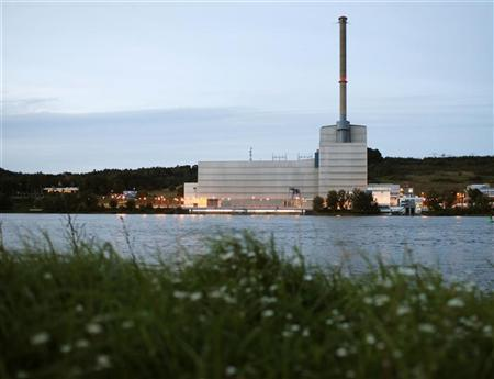 General view of the Kruemmel nuclear power plant operated by utility company Vattenfall in Geesthacht, about 30 km (20 miles) south-east of Hamburg, September 7, 2010. REUTERS/Christian Charisius