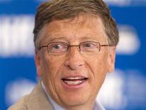 """<p>Билл Гейтс на пресс-конференции, посвященной фильму """"В ожидании Супермена"""", на 35-м международном кинофестивале в Торонто 11 сентября 2010 года. Дела американских миллиардеров снова пошли в гору - более половины из 400 богатейших людей Америки смогли приумножить свои состояния за год, а Билл Гейтс в очередной раз разместился на вершине рейтинга, составляемого журналом Forbes. REUTERS/Fred Thornhill</p>"""