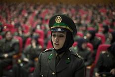 <p>A newly graduated soldier from the Afghan National Army (ANA) attends a graduation ceremony in Kabul September 23, 2010. REUTERS/Ahmad Masood</p>