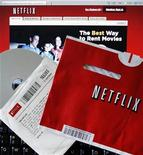 <p>Imagen de archivo del logo de Netflix en un computador en Massachusetts. Jul 25 2008 La firma de arriendo de videos Netflix Inc firmó un acuerdo ampliado de licencias con NBC Universal que le permitirá a sus suscriptores ver contenido de algunos de los populares canales de cable de la cadena de televisión. REUTERS/Brian Snyder/Files</p>