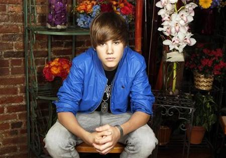 Singer Justin Bieber poses for a portrait in New York, June 3, 2010. REUTERS/Lucas Jackson