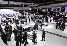 <p>A general view of the Paris Mondial de l'Automobile on media day September 30, 2010. REUTERS/Jacky Naegelen (</p>