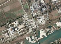 <p>A DigitalGlobe satellite image shows a nuclear facility in Yongbyon, North Korea September 29, 2004. REUTERS/Stringer</p>