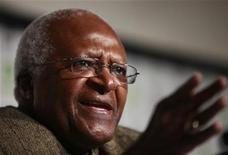 <p>Archbishop Desmond Tutu of South Africa speaks during the Copenhagen Climate Change Conference 2009 in Copenhagen in this December 15, 2009 file photo. REUTERS/Bob Strong</p>