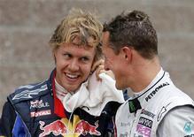 <p>heptacampeão mundial de Fórmula 1 Michael Schumacher ficou em nono lugar no grid de largada, enquanto que seu rival Sebastian Vettel conquistou a pole. 23/10/2010 REUTERS/Toru Hanai</p>