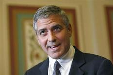 <p>Actor George Clooney speaks after a meeting about Sudan with U.S. Senator Dick Lugar (R-IN) on Capitol Hill, outside the Senate Foreign Relations room in Washington October 12, 2010. REUTERS/Hyungwon Kang</p>