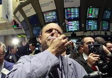 <p>Traders work on the floor of the New York Stock Exchange, October 14, 2010. REUTERS/Brendan McDermid</p>
