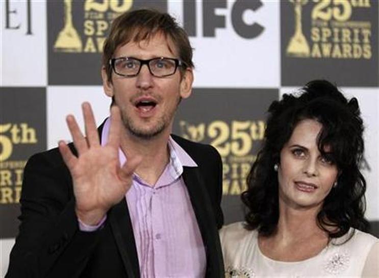 Officer and a Gentleman actress Lisa Blount dies - Reuters